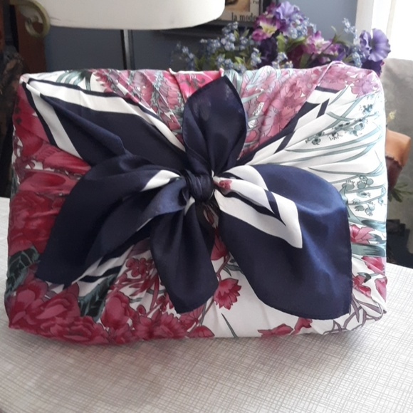 none Other - Gorgeous decorative pillow